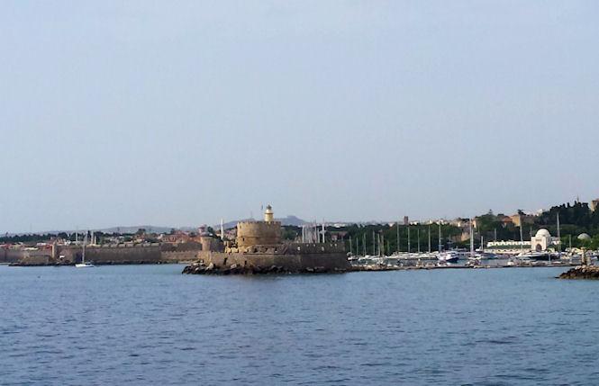 port mondraki